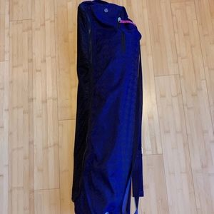 Lululemon Yoga Mat Bag and Matching Gaiam Yoga Mat